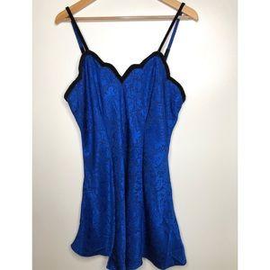 Vintage Victoria's Secret blue night gown size L